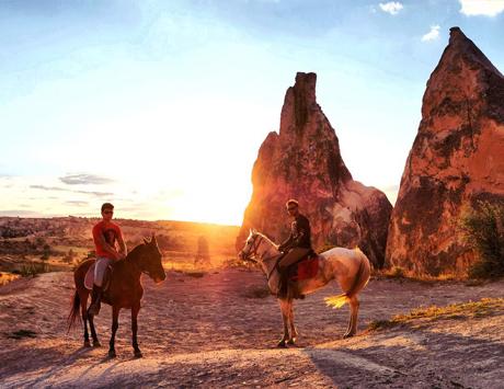 goreme-sunset-horse
