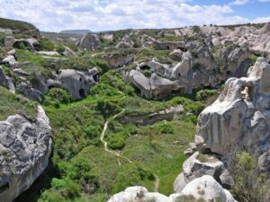 gomeda-valley-hiking-tour