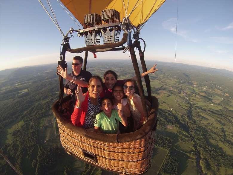 hot-air-balloon-small-basket